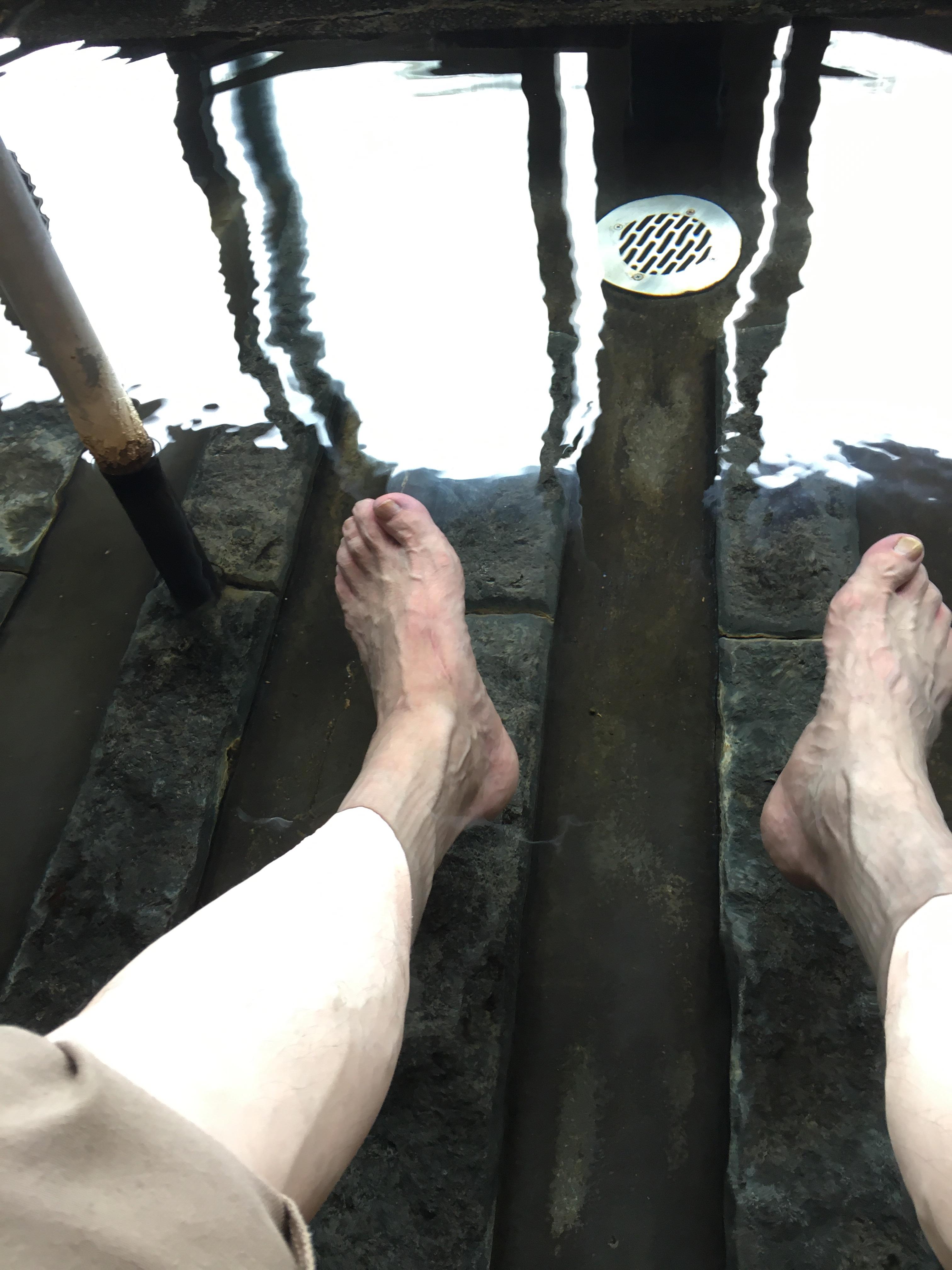足湯で、のんびり😊